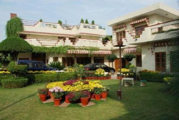 Homeystay garden rooms in faridabad sector 21c photos for Garden rooms reviews
