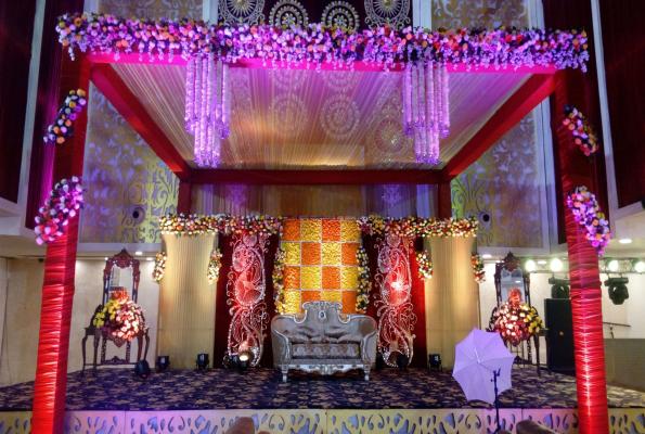Maharaja At Banana Tree Hotel And Banquets In Ghaziabad Sahibabad