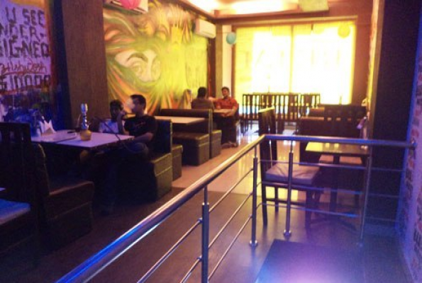 R e l m multicuisine restaurant in noida sector
